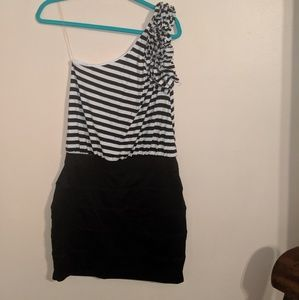 Cache nwot black and white dress